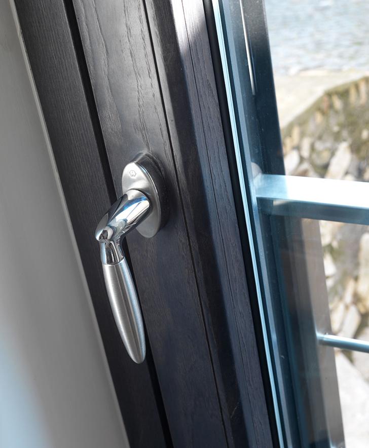 Vendita finestre pvc finestre in pvc serramenti pvc for Serramenti legno pvc